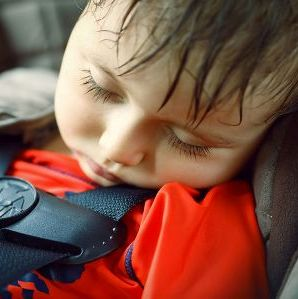 baby in auto vergeten