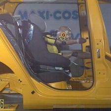 kinderen onveilig vervoerd in auto
