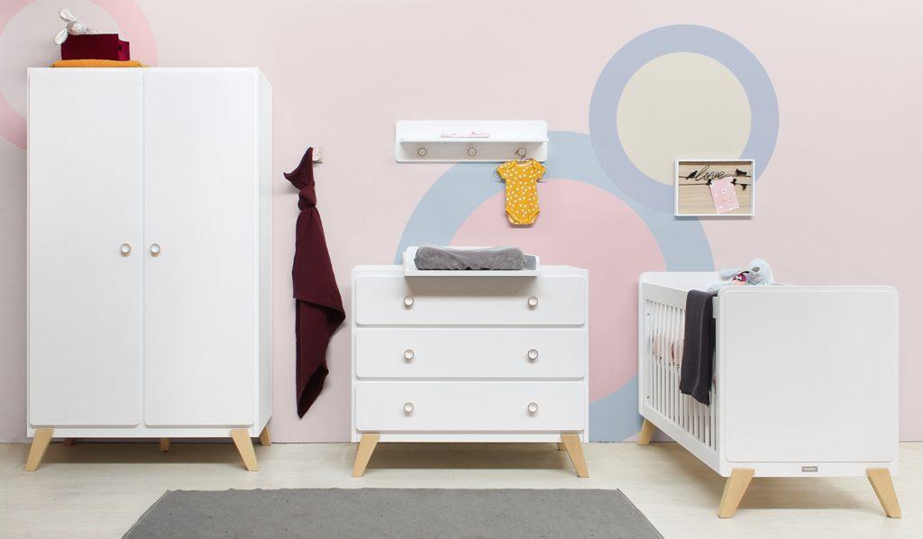 kleuren babykamer wit pastel