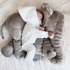 grote knuffels gevaarlijk in bed
